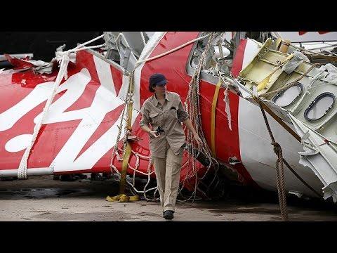 AirAsia: Ανθρώπινο λάθος και μηχανική βλάβη οι αιτίες της τραγωδίας