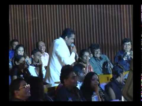 Kamal Addararachchi falling down