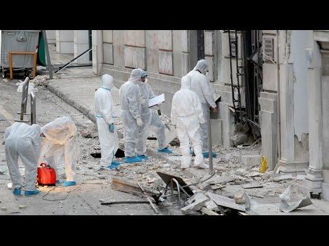Έκρηξη στο κτίριο του ΣΕΒ στο Σύνταγμα
