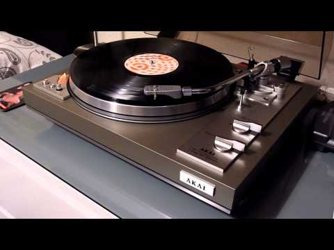 vintage Hifi - Plug in your headphones, watch and listen in HD as I have recorded the audio direct from the turntable via the Phono stage to the amps rec output. This is my...