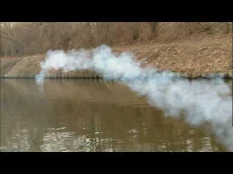Ein bisschen Spaß muss sein! Feuerwerk im Wasser#1
