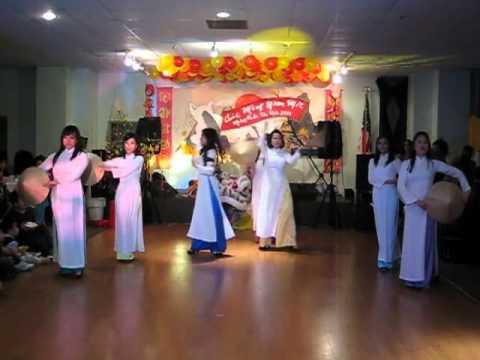Đêm Giao Thừa Nghe Khúc Dân Ca: Mua Non La DVL Dance Vietnam 2011
