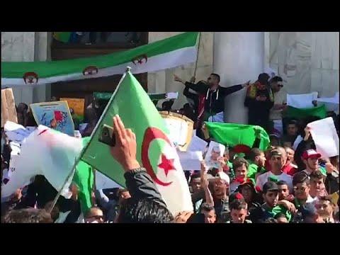 Algerien: Proteste gegen Präsident Bouteflika werden  ...