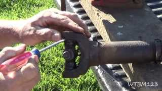 Video Changing a U Joint, or Universal Joint, in a Drive Shaft MP3, 3GP, MP4, WEBM, AVI, FLV Juni 2018