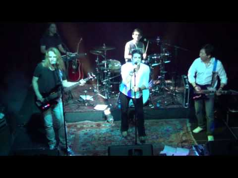 BANDA HEARTFIELD TOCANDO  -  Daryl Hall & John Oates - Maneater - cover - FULL HD