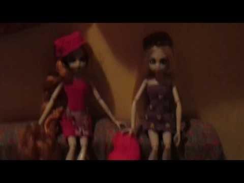 como fazer pijama estiloso para boneca monster high / princesas zombis
