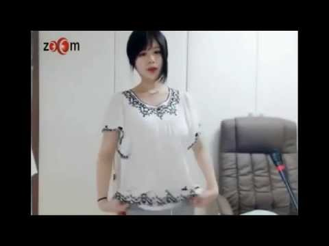 Hot girl Korean dance webcam