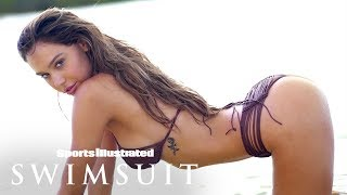 Video Alexis Ren Goes Bare, Gives A Private Dance For Her Debut | Intimates | Sports Illustrated Swimsuit MP3, 3GP, MP4, WEBM, AVI, FLV September 2018