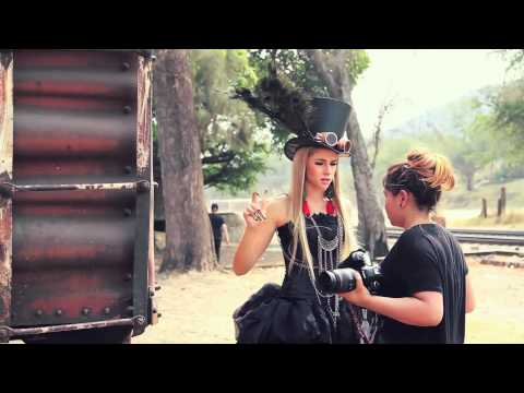 Steam Girl Making Of Zoé