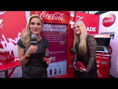 Meghan Trainor Red Carpet Interview - AMAs 2014