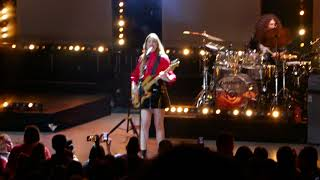 HAIM - Want You Back (Opening Song) @ The Greek Theatre, Los Angeles - 10/19/17