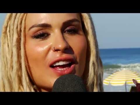 比基尼辣妹在接受巴西知名綜藝節目採訪的時候竟然一個轉身就讓收視率飆到停不下來!