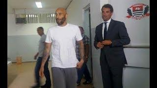 O filho do Rei Pelé se entregou no 5º DP de Santos para cumprir a pena em regime fechado por lavagem de dinheiro do tráfico de drogas. O ex-jogador foi condenado a 12 anos, 10 meses e 15 dias de reclusão.