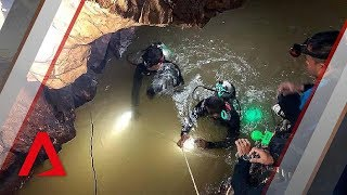 Video Thai cave rescue: How to get 12 Thai boys and their coach out of Tham Luang cave safely? MP3, 3GP, MP4, WEBM, AVI, FLV Juli 2018