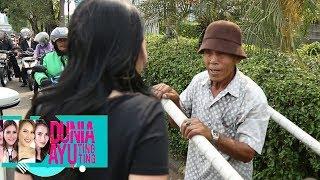 Video Baiknya Hati Ayu Ting Ting , Menolong Kakek di Jalanan - Dunia Ayu Ting Ting (10/6) MP3, 3GP, MP4, WEBM, AVI, FLV Juni 2019