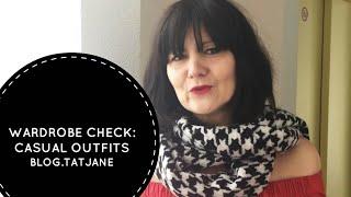 Wardrobe Check:mit gemusterten Seidenhosen und orangen Highheels