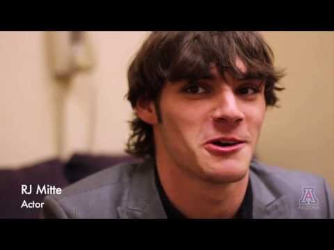 """R.J. Mitte of """"Breaking Bad"""" on Cerebral Palsy, Dealing with It in Hollywood"""
