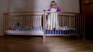 Lustige Baby Videos -- Zwillinge Baby Mission Nuckel 2♥ Baby Zwillinge Unterhalten Sich