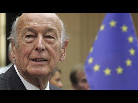 Ο κόσμος αποχαιρετά τον Βαλερί Ζισκάρ Ντ'Εστέν