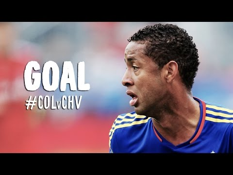 Video: GOAL: Gabriel Torres curls a lovely shot over Kennedy | Colorado Rapids vs Chivas USA