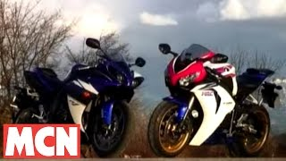 9. 2009 Yamaha R1 VS Honda Fireblade