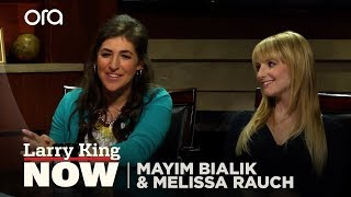 """Video Mayim Bialik and Melissa Rauch of The Big Bang Theory on """"Larry King Now"""" - Full Episode MP3, 3GP, MP4, WEBM, AVI, FLV Juni 2019"""
