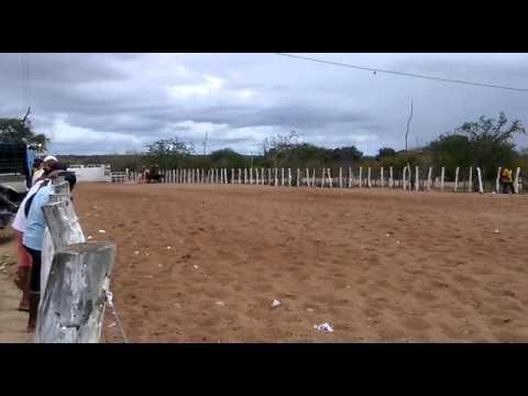 Vaqueiros Denis Cláudio (kaki) e Natanael em uaua