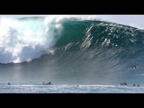 Powerful Giant Waves Going Unridden at the Wedge - No Music 4k