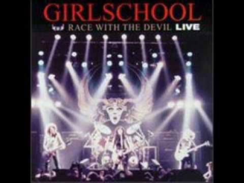 Tekst piosenki Girlschool - Race With the Devil po polsku