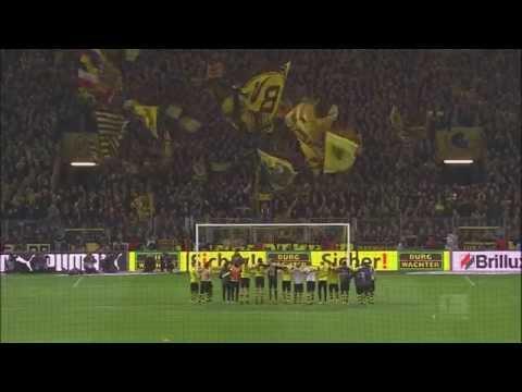 Cổ động viên Dortmund ăn mừng noel