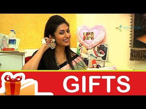 Divyanka Tripathi's Gift Segment - Part 04