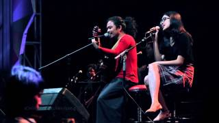 Video Mari Bercerita - Payung Teduh feat Icha MP3, 3GP, MP4, WEBM, AVI, FLV November 2017