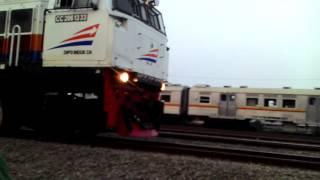 sindu naik kereta api tut tut