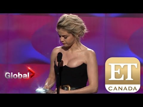gratis download video - Selena-Gomezs-Emotional-Billboard-Speech--ET-Canada