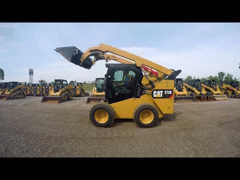 CATERPILLAR SKID STEER LOADERS 272D equipment video SVfd9c1HbMA