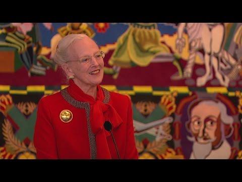 Dronningen joker om kronprinsens trampolinuheld - DR Nyheder