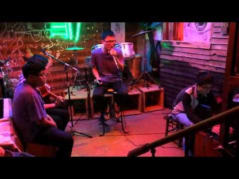 Forever Alone – Danh Liêm acoustic (Tre cafe 377 Nguyễn Khang)