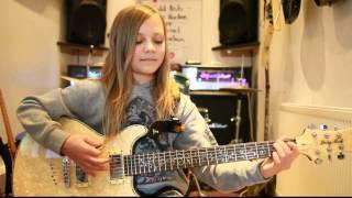 Video 10 year old Zoe Thomson plays Hail To The King by Avenged Sevenfold MP3, 3GP, MP4, WEBM, AVI, FLV Mei 2018
