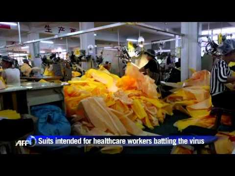 Китай отговаря на засиленото търсене на защитно облекло, заради епидемията от ебола. 25 октомври 2014