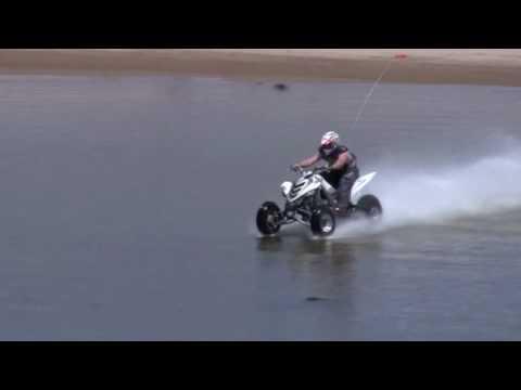 Hidroplaning con un Quad!!