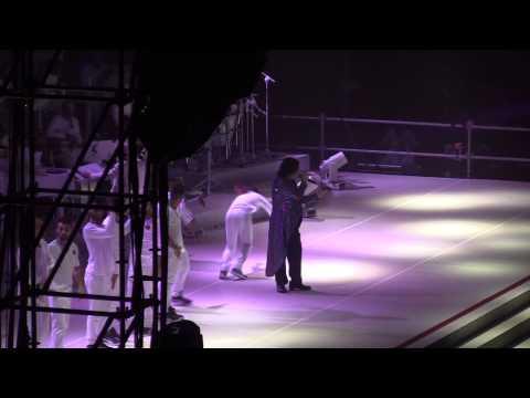 , title : 'Dovremmo imparare a vivere - Renato Zero - Amo Tour 2013'