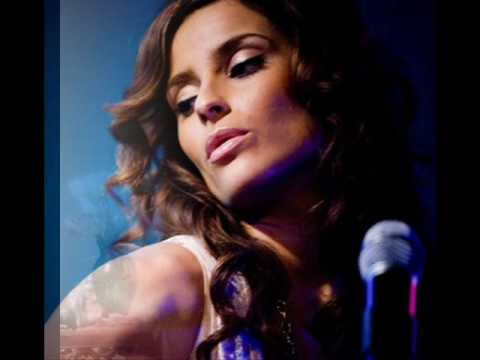 Nelly Furtado - The harder they come feat. Paul Oakenfold & Tricky lyrics