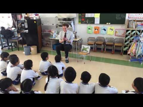 清瀬しらうめ幼稚園 英会話授業の様子