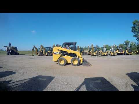 CATERPILLAR MINICARGADORAS 236D equipment video SZJNAXefX5w