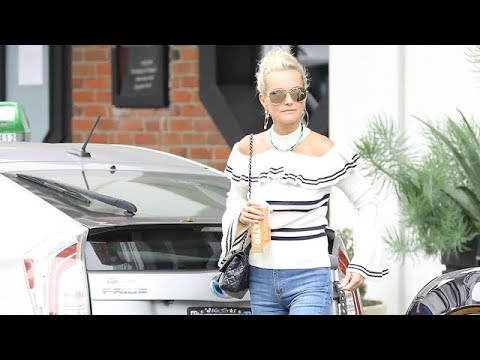 Laeticia Hallyday Visits The Salon As Her Royal Affair Heats Up - EXCLUSIVE