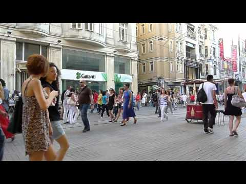 Istanbul Beyoglu Istiklal Caddesi