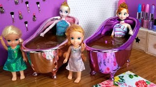 Video Mother's Day ! Elsa and Anna toddlers - surprise - gifts - spa - cake - bath - nails painting MP3, 3GP, MP4, WEBM, AVI, FLV Juni 2019