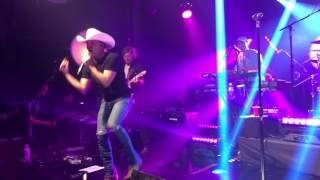 Tailgate Watch: Justin Moore Performs a New Song