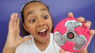 Video DIY Gallium Fidget Spinner! (Play Doh Molds) Kids Toy Review | Toys AndMe MP3, 3GP, MP4, WEBM, AVI, FLV Juni 2017