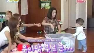 Video [SNSD Funny] - Mommy Yoona, help me!!! MP3, 3GP, MP4, WEBM, AVI, FLV April 2018